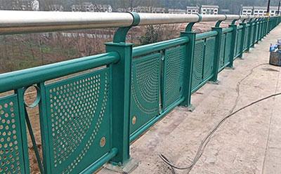喷塑桥梁围网